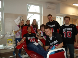 Hussars donates blood again